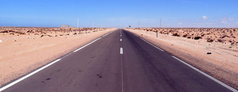 Carretera en el Sahara Occidental.
