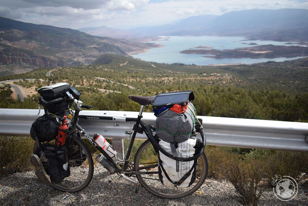Vistas del lago Barrage Bin El-Ouidane